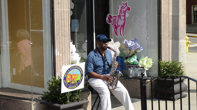 Free-style jazz outside Blackbird Bakery